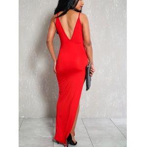 Dresses - 2/$10 💕 Sexy Clubwear High Slit Red Maxi Dress